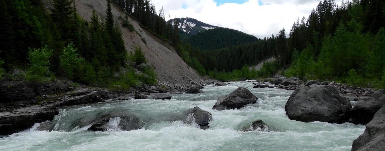 Scenic-raft-trip-Bob-Marshall-Wilderness-Montana